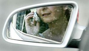 Niemcy. Wyższe kary dla kierowców za używanie komórki
