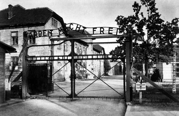 Wejście do obozu Auschwitz