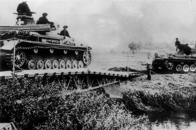 Niemieckie czołgi w czasie ofensywy w 1939 roku /AFP