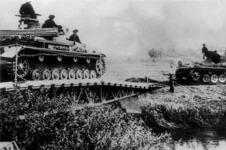Niemieckie czołgi w Polsce /AFP