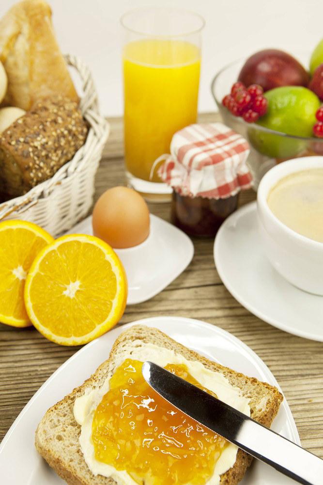 Niemieckie śniadanie nie moze obejśc się bez konfityr /East News