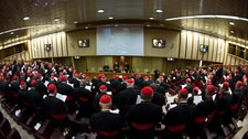 Nieobecność 8 kardynałów-elektorów blokuje konklawe
