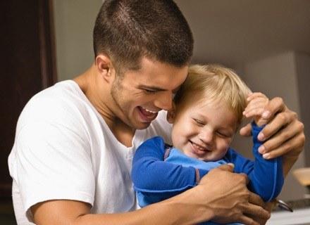 Nieobecnośc ojca ma wpływ na aktywność seksualną potomstwa. /ThetaXstock