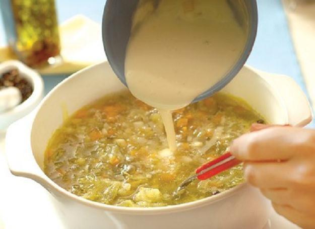 Nieodpowiednie żywienie we wczesnym dzieciństwie, może okazać się przyczyną otyłości /ThetaXstock