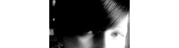 Smutek widać tylko w oczach, ale nikt w nie, nie patrzy…