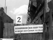Nieprawdziwą epidemią wystraszył Niemców. Eugeniusz Łazowski - lekarz z Rozwadowa