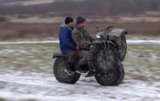 Niesamowicie wszędobylski motocykl. Oczywiście z Rosji