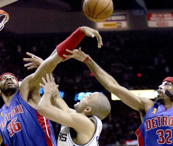 Niesamowita zacięta walka dominowała w NBA Finals 2005 /AFP