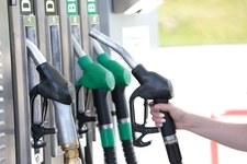 Niestety. 5 zł wraca na dystrybutory paliw