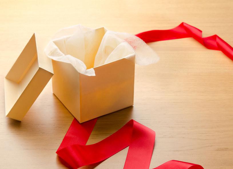 Nietrafiony prezent można zwrócić /123RF/PICSEL