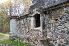 Nietypowy grobowiec na Mazurach