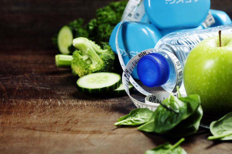 Niewiele jesz, ćwiczysz, a oponka nie znika? Przyczyn moze być wiele /©123RF/PICSEL