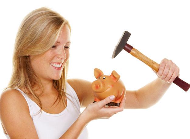 Niewielkie kwoty szybko zaoszczędzisz /©123RF/PICSEL