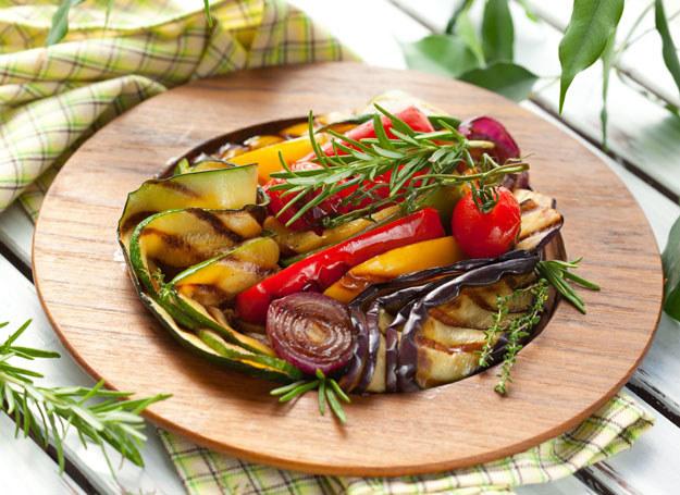 Niewłaściwie gotowane warzywa tracą wiele witamin /123RF/PICSEL