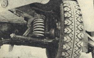 Niezależne zawieszenie przednich kół zapewnia wysoki komfort jazdy i zapobiega tendencjom do tzw. galopowania. Zamiast rur mocowania zderzaka zamocować można hydrauliczne tłumiki. /Motor