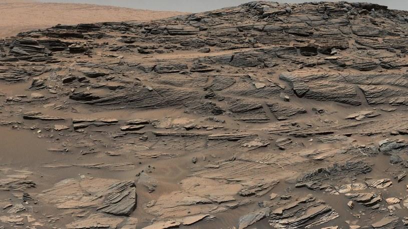 Niezwykły marsjański krajobraz /NASA