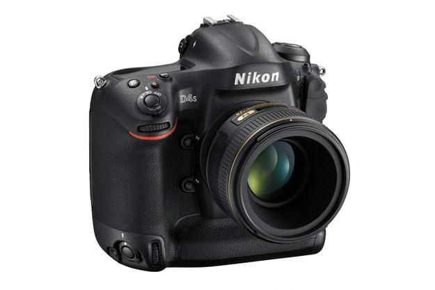 Nikon D4S /materiały prasowe