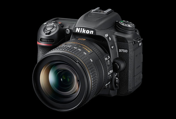 Nikon D7500 /materiały prasowe