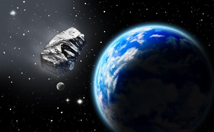 Nikt nie wie, w jakiej dokładnie odległości 2013 TX68 minie Ziemię /123RF/PICSEL