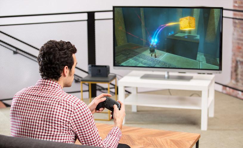 Nintendo Switch Pro Controller /materiały prasowe