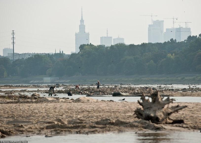 Niski stan wody w Wiśle /Bartosz Krupa /East News