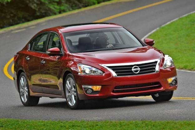 Nissan będzie produkował hybrydy /