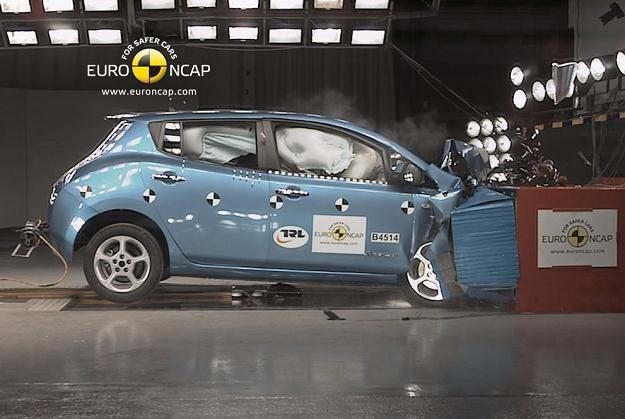 Nissan leaf jako pierwsze auto elektryczne otrzymał 5 gwiazdek /