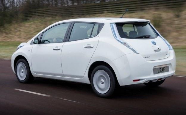 Nissan Leaf /