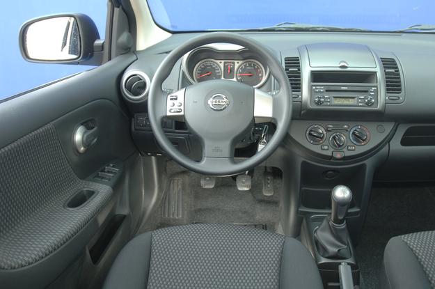 Nissan Note deska rozdzielcza /Motor