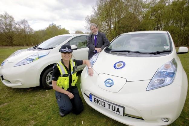 Nissany Leaf w angielskiej policji /