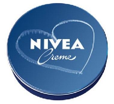 NIVEA Creme z serduszkiem na niebie... /materiały prasowe