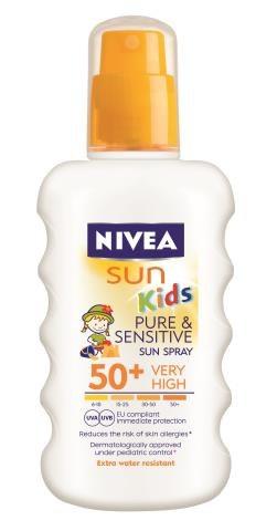 NIVEA SUN KIDS   Wodoodporny spray ochronny na słońce z filtrem 50+ dla skóry delikatnej i wrażliwej, ok. 44 zł/200 ml. /Mat. Prasowe