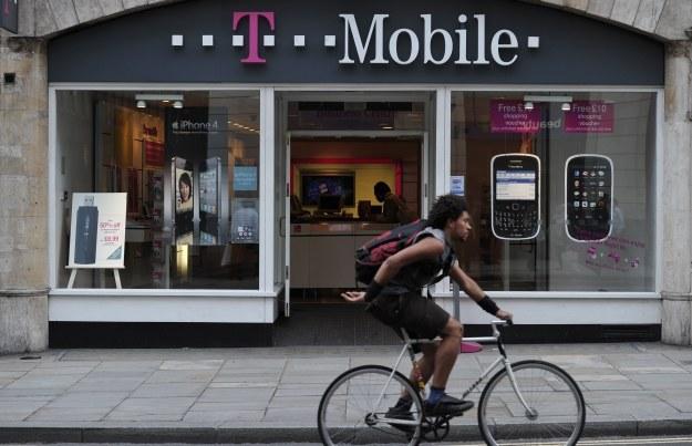 Niższe ceny w roamingu w T-Mobile /AFP