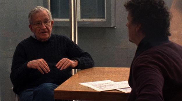 Noam Chomsky w rozmowie z Michelem Gondrym. Obaj spotkają się z widzami Planete+ Doc /materiały prasowe