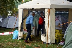 Noc związkowcy spędzili w miasteczku namiotowym