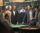"""""""Nocny recepcjonista"""": Hugh Laurie stał się zły do szpiku kości"""