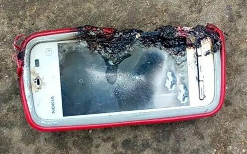 Nokia 5233 - telefon, który miał eksplodować i doprowadzić do śmierci dziewczyny /materiały prasowe
