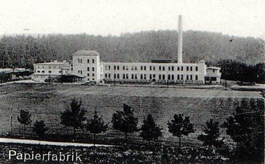 Nowa fabryka papieru ukończona w 1915 roku /Odkrywca