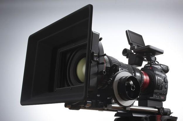 Nowa kamera Canona - model EOS C300/C300 PL /materiały prasowe