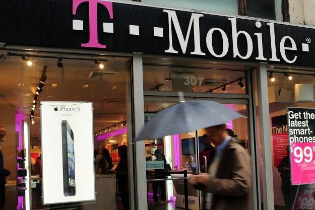 Nowa oferta T-Mobile skierowana jest do użytkowników biznesowych /AFP
