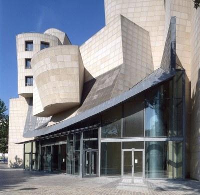 Nowa siedziba Cinematheque Francaise autorstwa Franka Gehry'ego /AFP