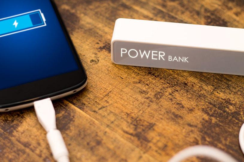 Nowa technologia pozwoli naładować telefon lub jakąkolwiek inną elektronikę dźwiękiem? /123RF/PICSEL