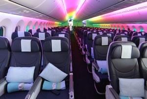 Nowa wersja Dreamlinera ma o 40 miejsc więcej od starej. /LINDSEY PARNABY /PAP/EPA
