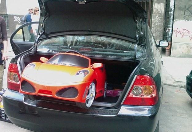 Nowatorski garaż