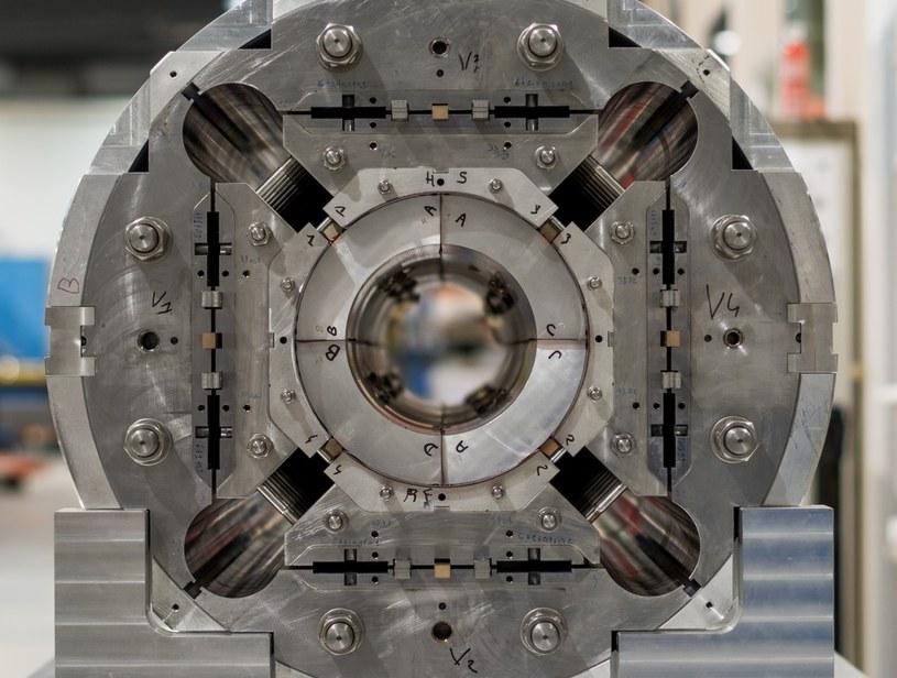 Nowe magnesy kwadrupolowe zwiększą moc LHC /materiały prasowe