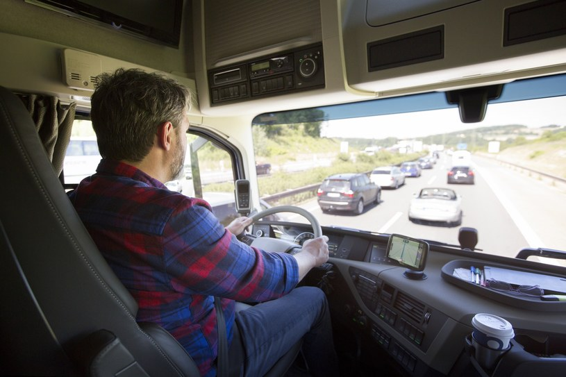Nowe nawigacja TomTom dla zawodowych kierowców /materiały prasowe