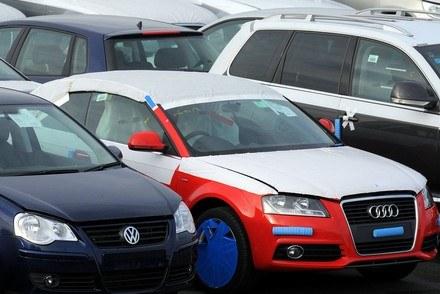 Nowe samochody czekają na dokumenty /INTERIA.PL