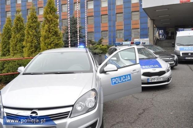Nowe samochody policji /Policja