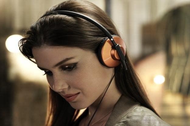 Nowe słuchawki - model MDR-570 /materiały prasowe