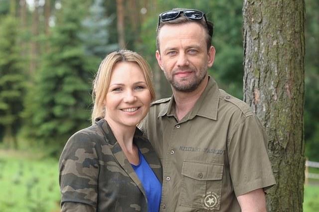 Nowi bohaterowie: Norbert (Łukasz Konopka) i Sylwia (Anna Guzik). /ATM Grupa S.A. / Bogdan Bogielczyk /materiały prasowe